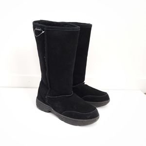 BEARPAW tall knee high suede boots